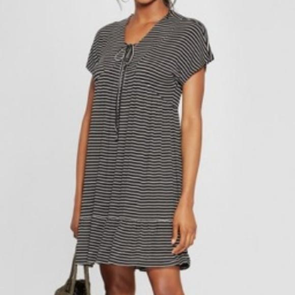 Heart Soul Dresses & Skirts - ** Heart Soul Striped S/S Babydoll Tie Front Dress